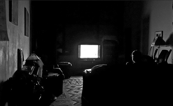 tv in dark